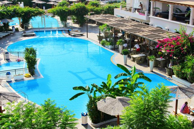Hotel Peridis Family Resort