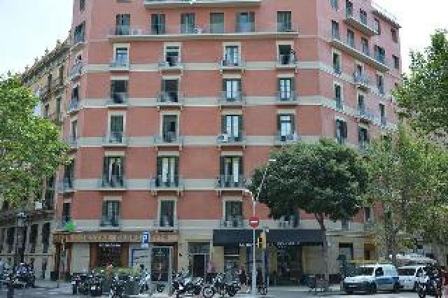 Barcelona Center Inn