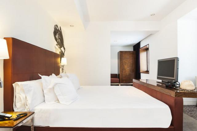Palacio Avenida Ur Hotel