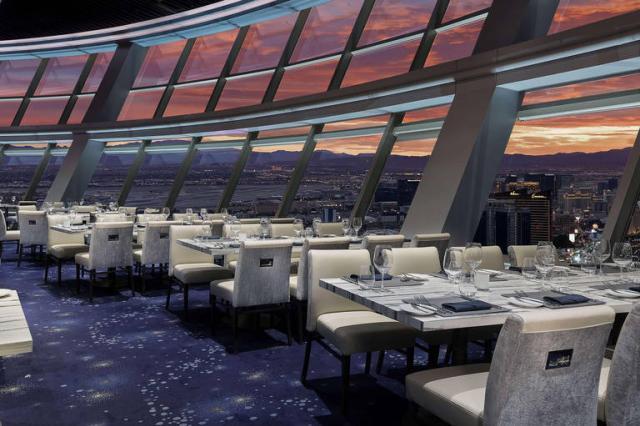 The Strat Hotel, Casino En Skypod
