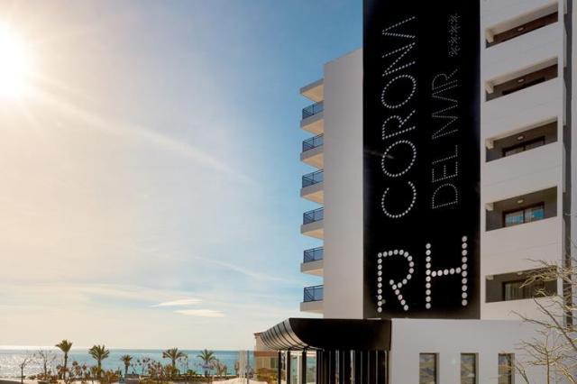RH Corona del Mar Beach